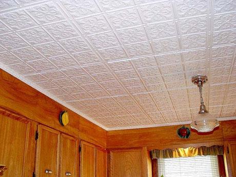 Касетоны на потолке комнаты