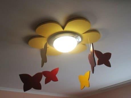 светильник в форме цветка