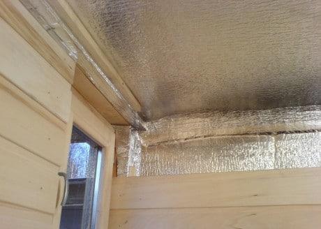 изоляционный материал на потолке